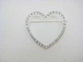 SILVER DIAMANTE HEART BROOCH