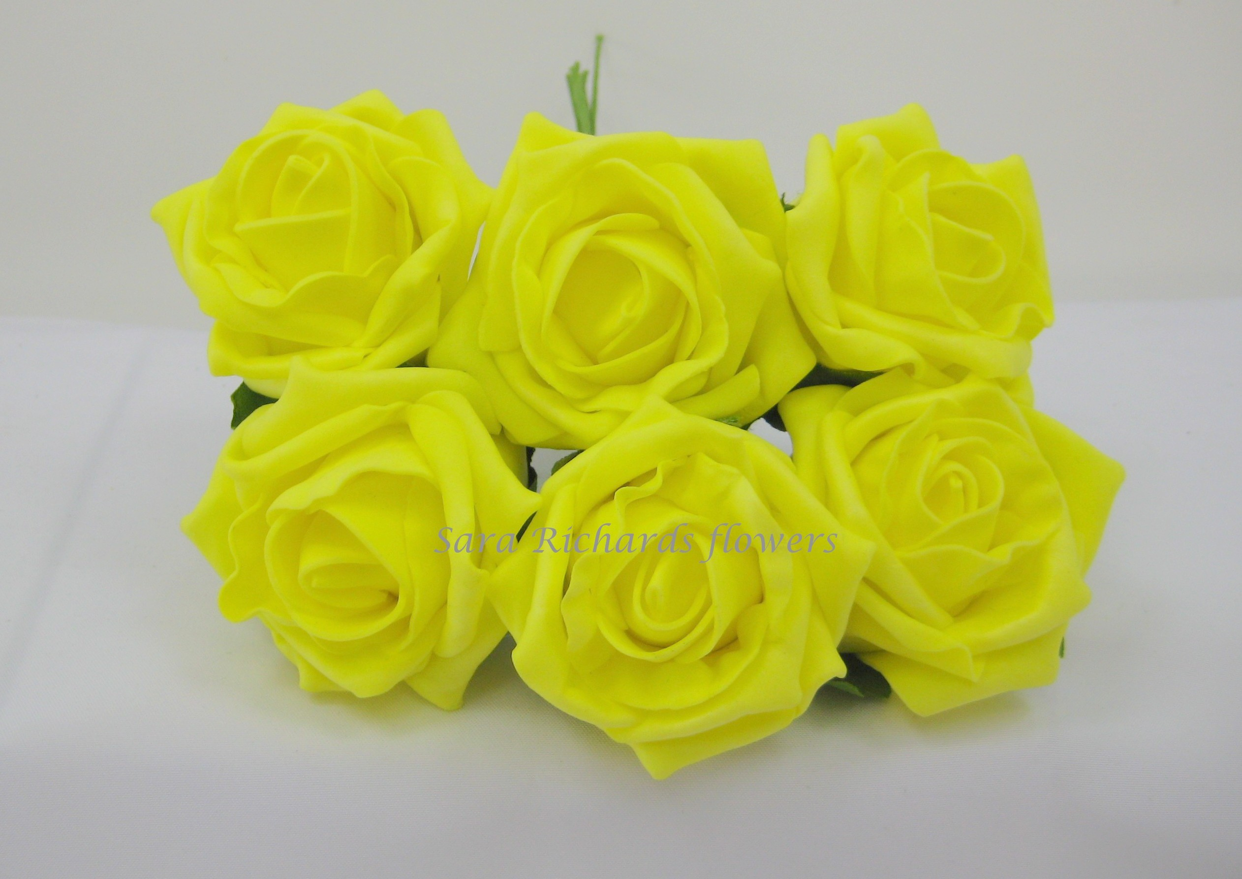 Quality 6 Cm Cottage Rose In Light Yellow Sara Richards Flowers