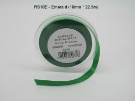 RS10E  10 MM X 22.5 METRES SATIN RIBBON IN EMERALD GREEN- IF QUANTITY IS MORE THAN 10 ROLLS PAY 85P A ROLL