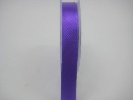 15 MM X 22.5 METRES SATIN RIBBON IN PURPLE- IF QUANTITY IS MORE THAN 10 PAY £1.05 A ROLL