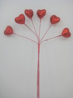 YF108R SPARKLE HEARTS IN RICH RED- BUY 12 BUNCHES AND PAY ONLY 75P A BUNCH